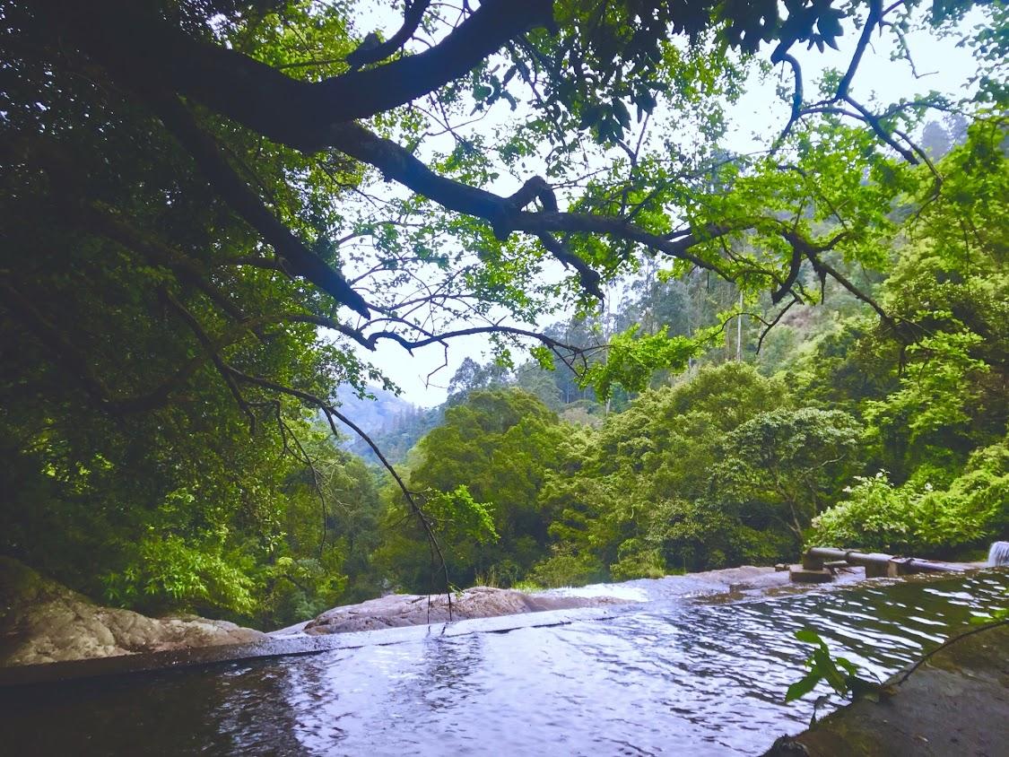Bomburuella-Waterfall-Uva-Paranagam