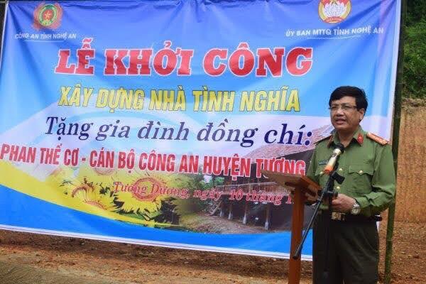 Đồng chí Đại tá Hồ Văn Tứ, PGĐ Công an tỉnh phát biểu tại lễ khởi công