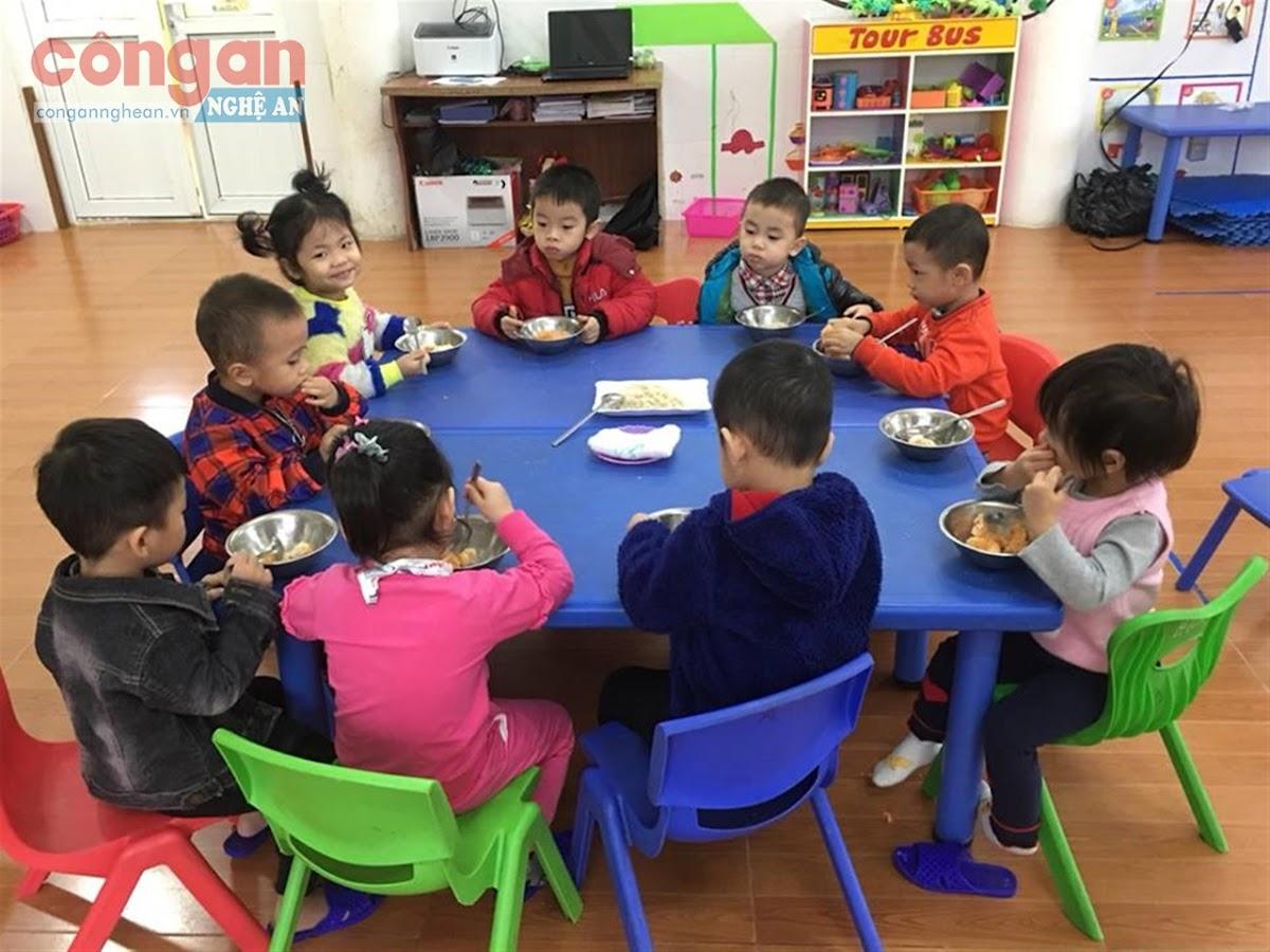 Tăng cường đảm bảo ATTP cho học sinh là góp phần giúp các em                                 có sức khỏe tốt để học tập và phát triển toàn diện về đức, trí, thể, mỹ