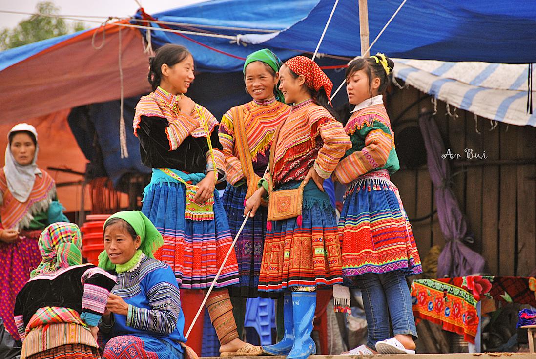 Người dân tộc thiểu số H'Mong