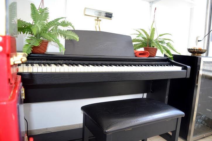 studio-one-piano