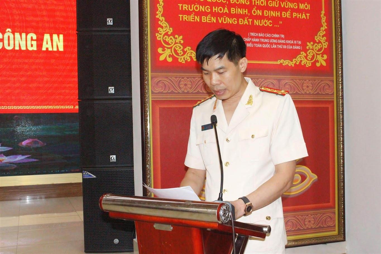 Đại tá Cao Minh Huyền, Phó Giám đốc Công an tỉnh Nghệ An phát biểu tại buổi lễ
