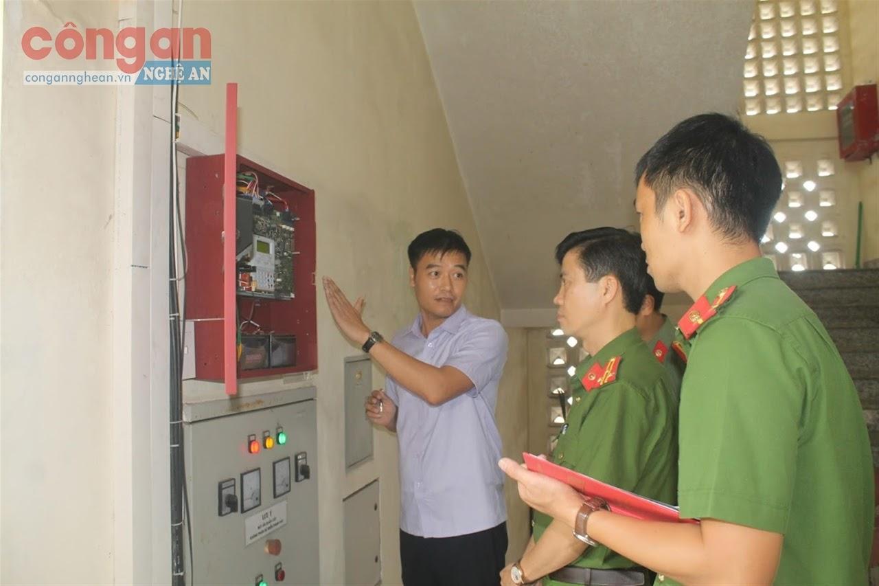 Cơ quan chức năng kiểm tra công tác PCCC tại các cơ sở