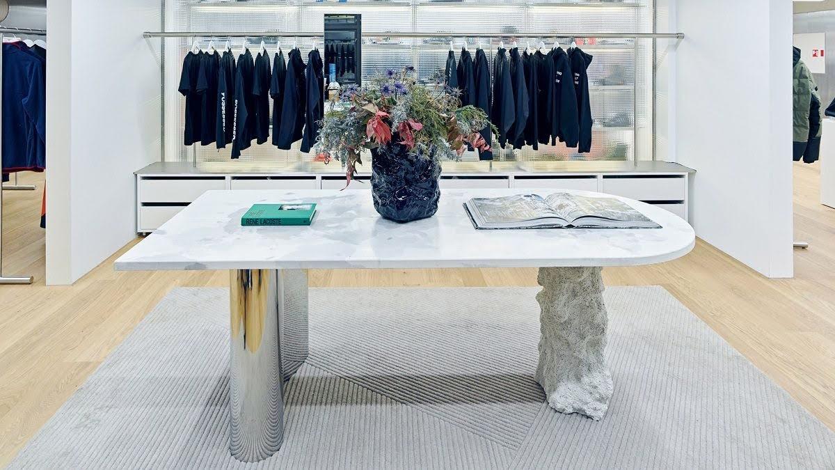 thiết kế shop quần áo dã ngoại
