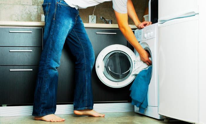 không nên bỏ quá nhiều đồ vào máy giặt