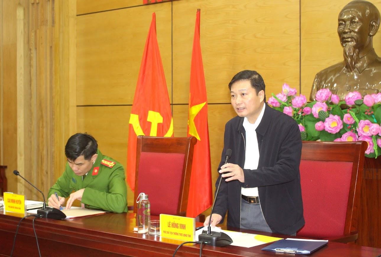 Đồng chí Lê Hồng Vinh, Uỷ viên BTV Tỉnh uỷ, Phó Chủ tịch UBND tỉnh, Trưởng Ban Chỉ đạo phát biểu chỉ đạo tại cuộc họp