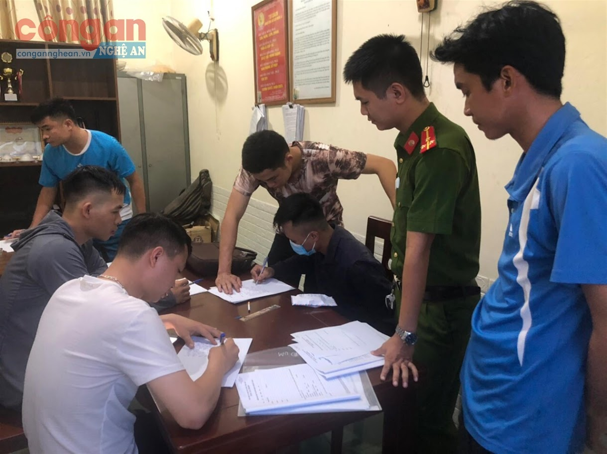 Công an xã Nghi Thái phối hợp với Đoàn đặc nhiệm phòng, chống ma túy, Bộ Tư lệnh Cảnh sát biển bắt 1 đối tượng (X) tàng trữ trái phép chất ma túy