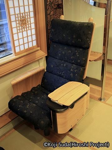 JR九州 787系「36ぷらす3」 6号車 シート_01