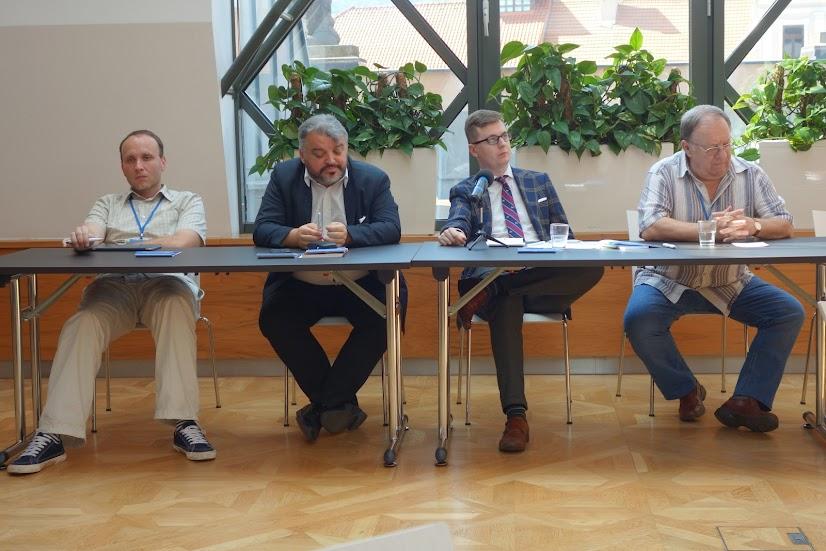 Rečníci na konferencii: Juraj Majo, Eduard Chmelár, Kamil Gaweł a Marián Baťala
