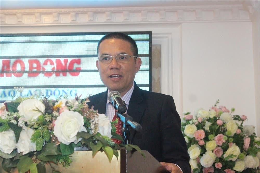 Nhà báo Lâm Chí Công, Trưởng Văn phòng đại diện Báo Lao động khu vực Bắc Trung Bộ phát biểu tổng kết cuộc thi