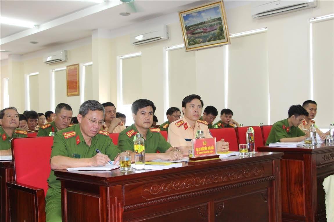 Các đại biểu dự Lễ khai giảng lớp tập huấn