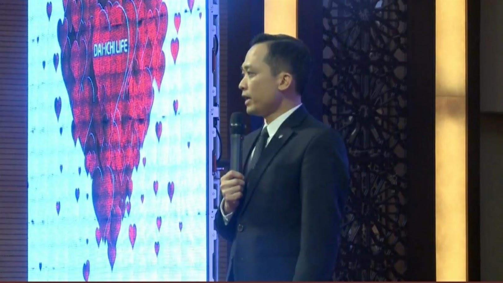 Ông Tạ Văn Thái, Giám đốc Kinh doanh miền Bắc phát biểu khai mạc