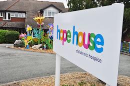 Welshpool firms help raise £100k for Hope House