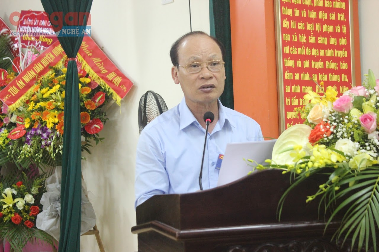 Đồng chí Hoàng Văn Phi, Bí thư Huyện ủy ghi nhận những kết quả mà Đảng bộ Công an huyện Hưng Nguyên đạt được trong nhiệm kỳ qua