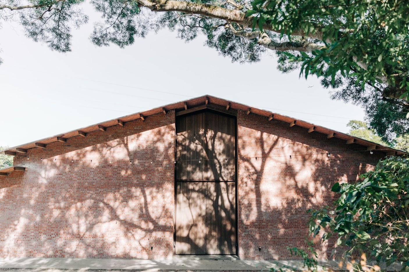 顏氏牧場的紅磚瓦穀倉