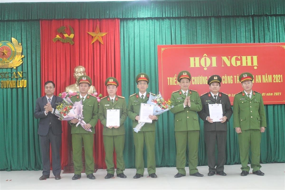 Lãnh đạo Công an tỉnh và UBND huyện Quỳnh Lưu Trao thưởng Ban chuyên án