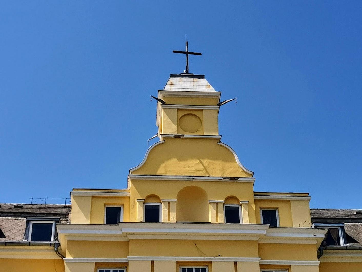 Kőszeg - keresztút a Szent Imre Missziósház parkjában