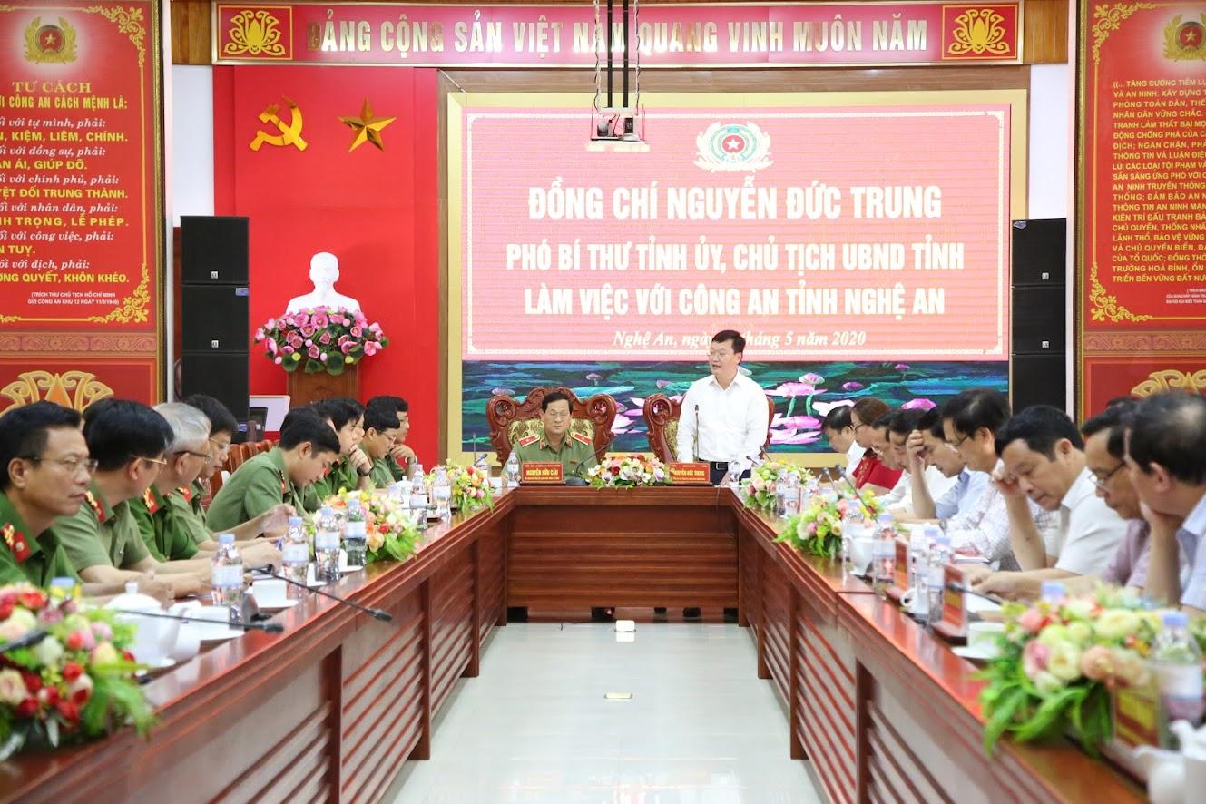 Đồng chí Nguyễn Đức Trung, Phó Bí thư Tỉnh ủy, Chủ tịch UBND tỉnh ghi nhận và đánh giá cao những kết quả CANA đạt được trong 5 tháng đầu năm