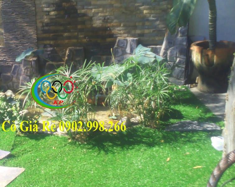 Treo tường và làm băng rôn đối với Cỏ nhân tạo sân vườn