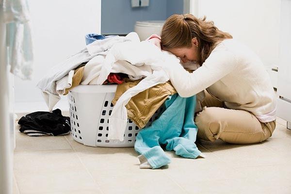 không nên dồn quần áo quá nhiều ngày