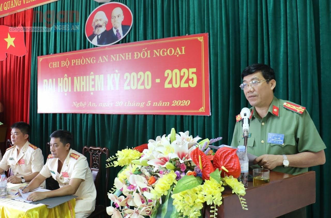 Đại tá Lê Khắc Thuyết, Phó giám đốc CA tỉnh phát biểu chỉ đạo tại Đại hội