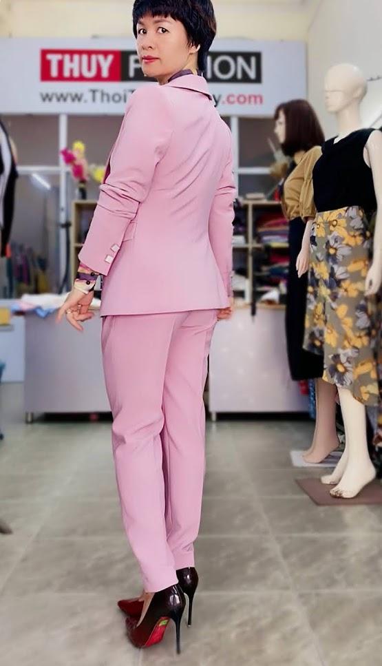 Bộ áo vest nữ mix quần baggy ông côn màu hồng V728 thời trang thủy kiến an