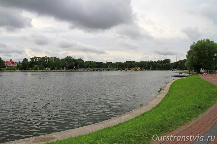 Прогулка вдоль Верхнего пруда в Калининграде
