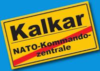 Ortsschild Kalkar, durchgestrichen: «NATO-Kommandozentrale».