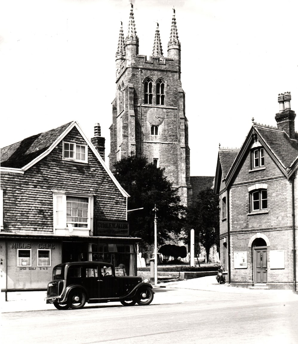 Tenterden Archive 1947 Mills Cafe, St Mildreds Church, Police Station