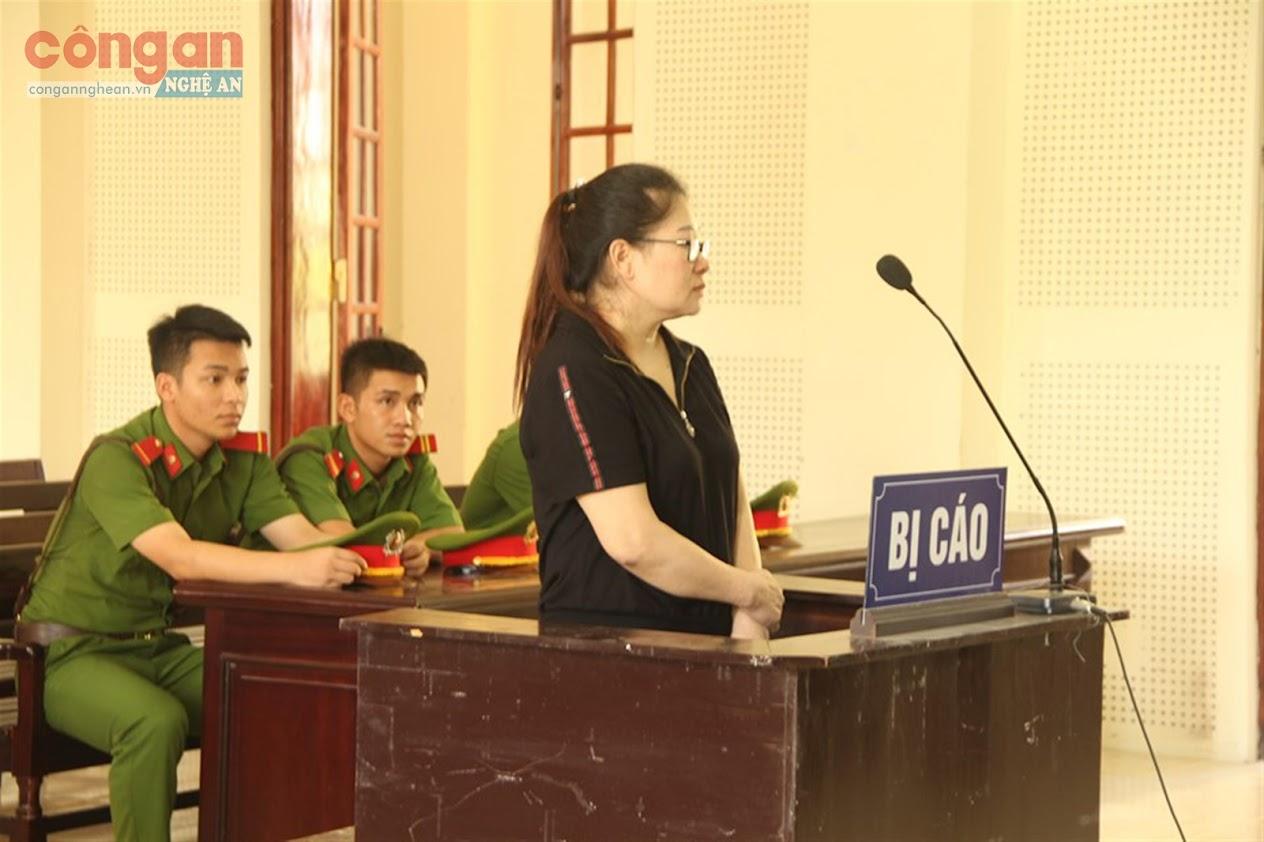 Bị cáo Nguyễn Thị Hòa tại tòa