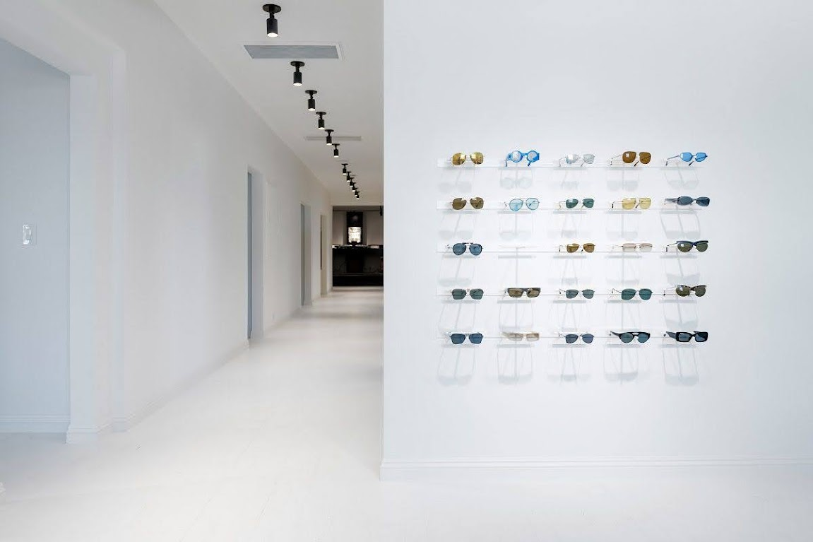 thiết kế cửa hàng kính mắt