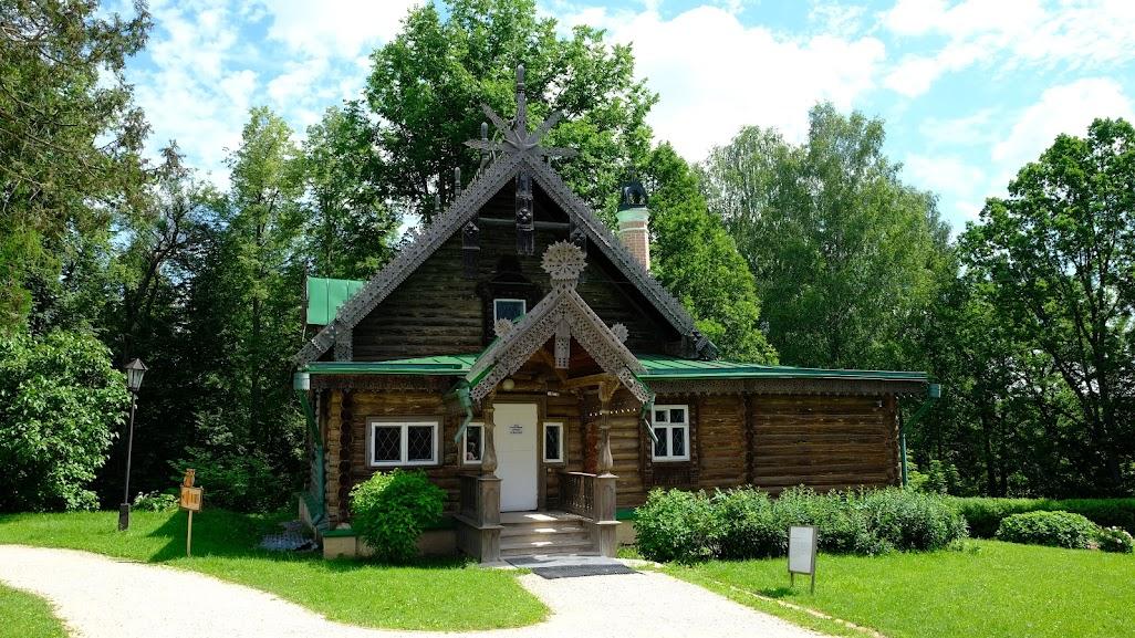 Мастерская построена в 1873г на месте аксаковского флигеля.