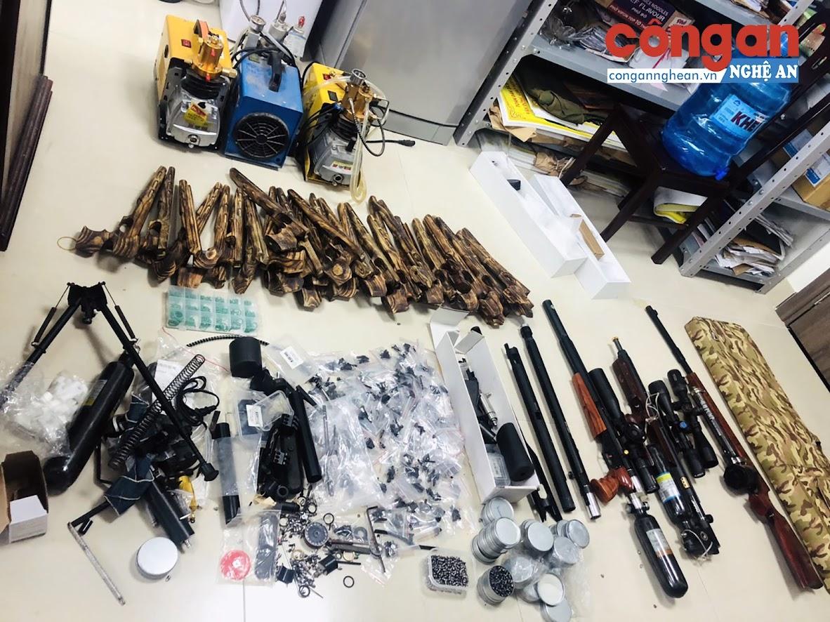 Rất nhiều súng