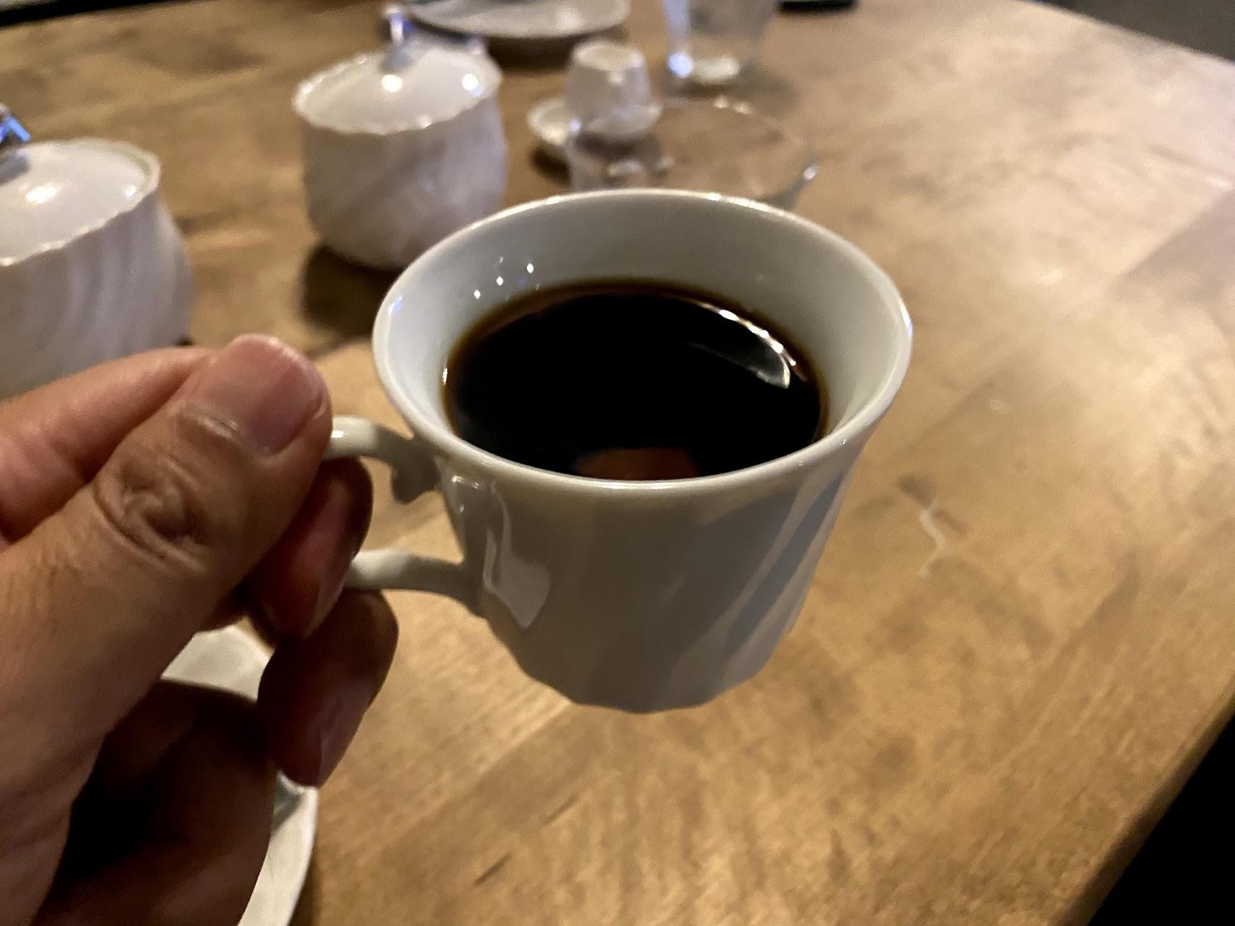 食後にコーヒーをいただいた