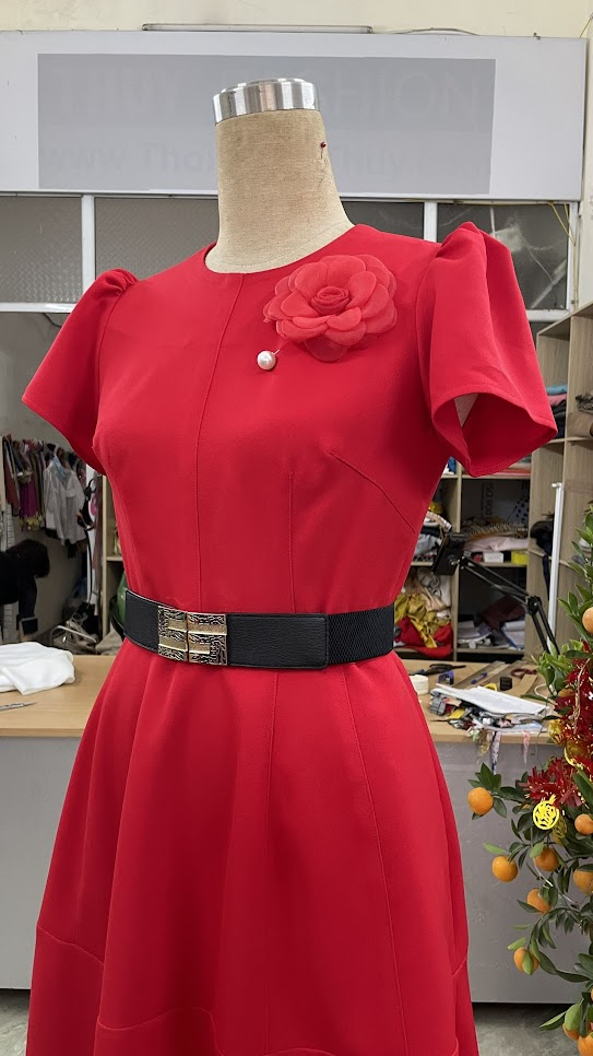 Cách để che bụng với khiểu váy xòe V752 thời trang thủy sài gòn
