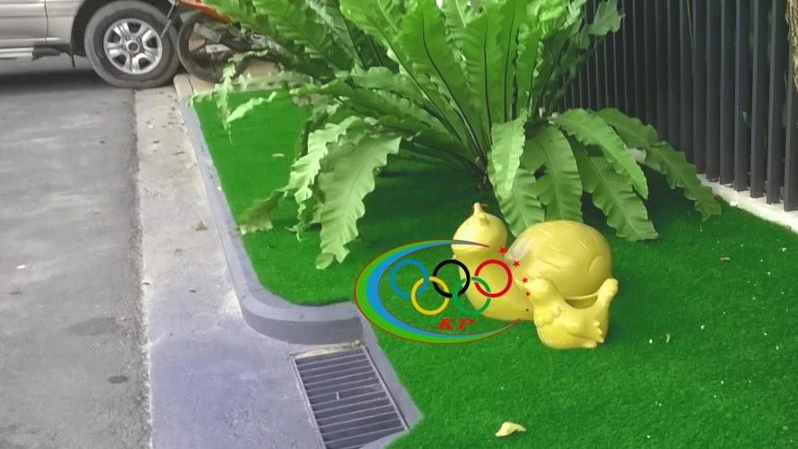 Ốp tường đặc sắc nhất khi Xài thảm cỏ nhựa nhân tạo