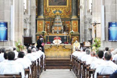 Na Missa Crismal, D. António Couto diz que Deus