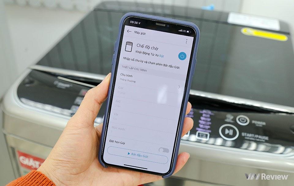 Tính năng điều khiển máy giặt qua ứng dụng ThinQ trên máy giặt lồng đứng LG