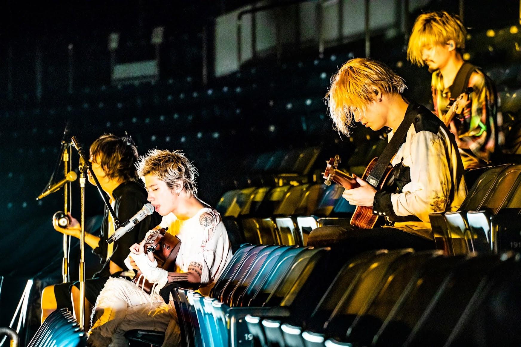ONE OK ROCK 線上開唱吸11萬人 獻曲摯友  三浦春馬 讓粉絲爆淚