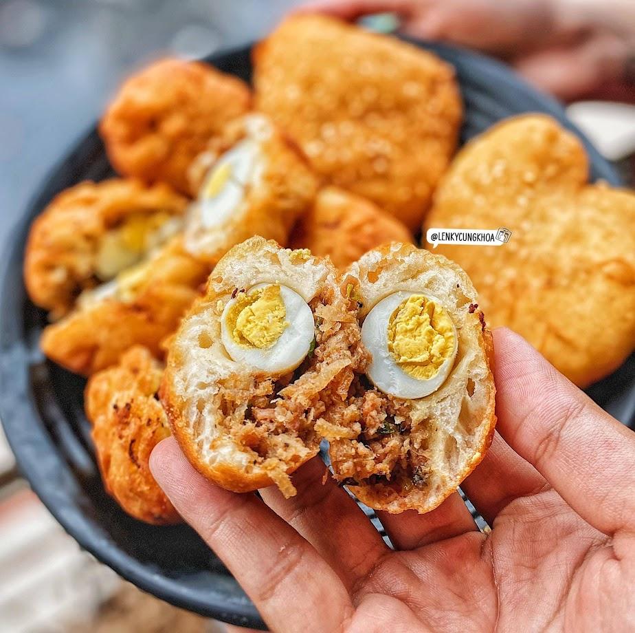 Bánh bao chiên thịt trứng cút ngay Phan Xích Long
