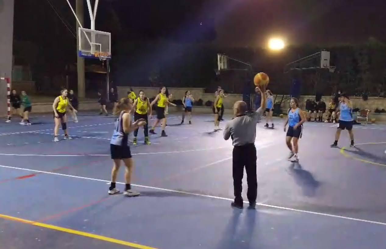 Las juniors se llevan el partido con un final de infarto en San Vicente