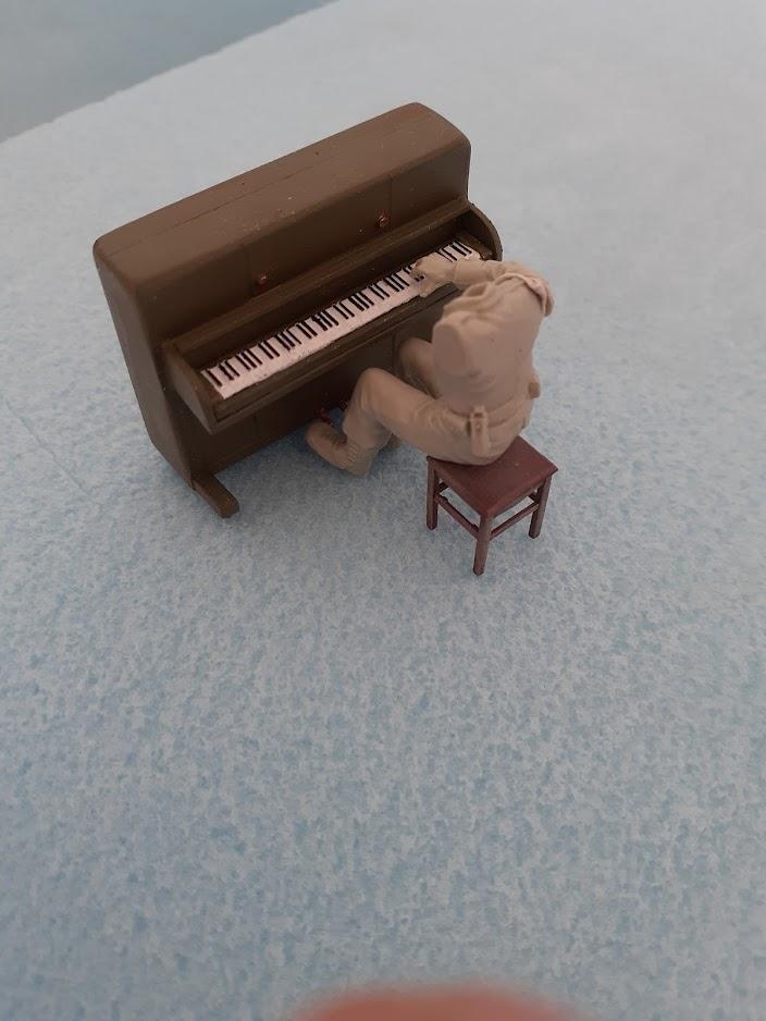 Piano Set Miniart ACtC-3ebBqlhQsa1GFQvN__JRDa1wJ0mJJuQUDYtJ_trQIA-g0UGuI34JB5qVNgl4iI82NnVMl4o_jODVQ583Lv3tNxTdcrgq9spto-DiK0FPKdQmV6FAeCA4wsr14RAYQxWDViuCjGptAz9o1pKIv_-_PHv3A=w704-h938-no?authuser=0