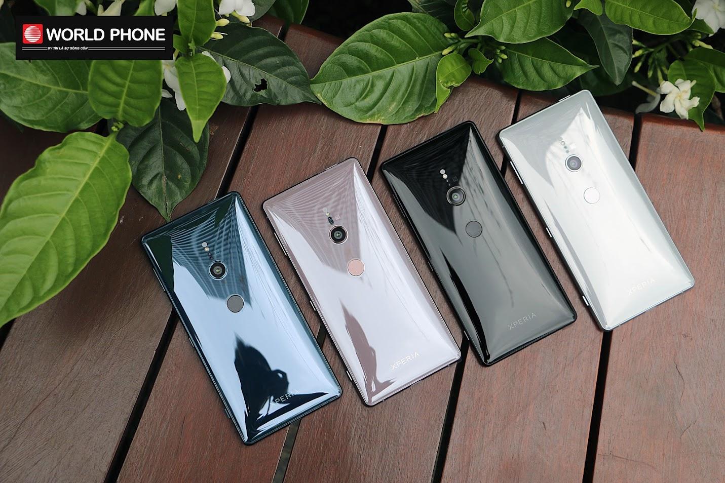 Thiết kế Sony Xperia XZ2 bóng bẩy mượt mà, lên tay cực sang