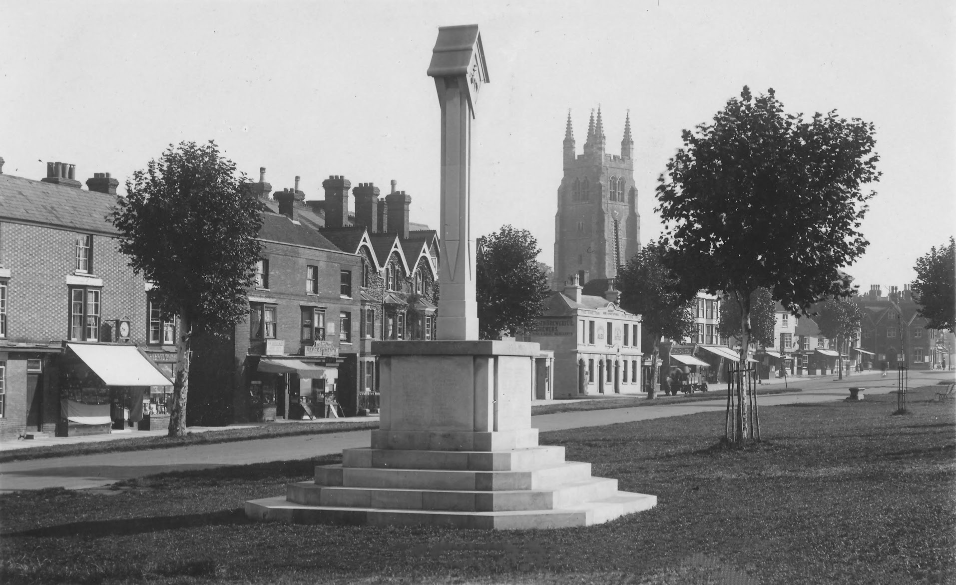 Water trough in Tenterden High Street after the unveiling of the War Memorial in 1920