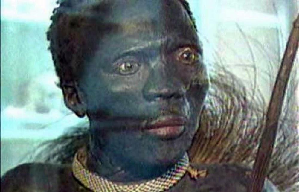El Negro, o homem empalhado exibido num museu