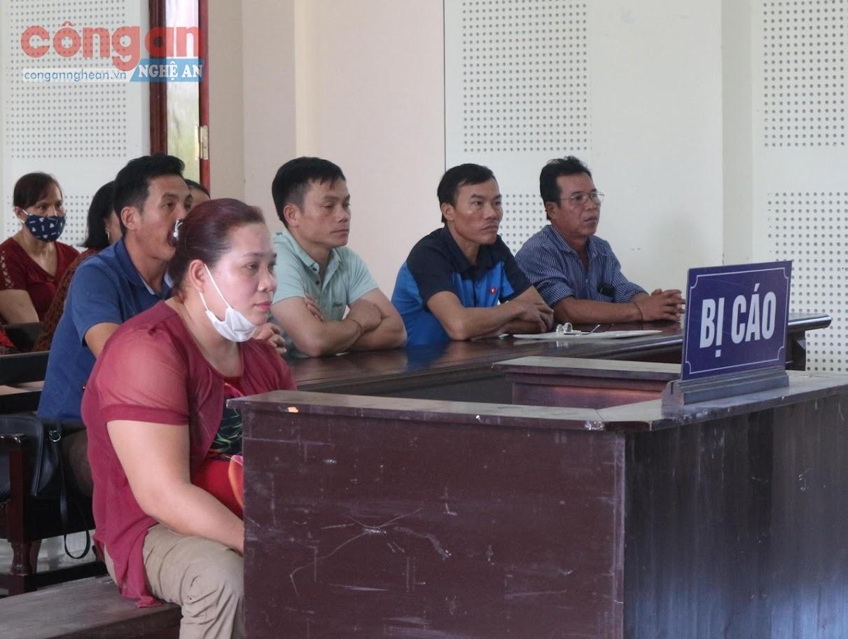Phiên tòa xét xử Mạc Thị Lệ Quyên
