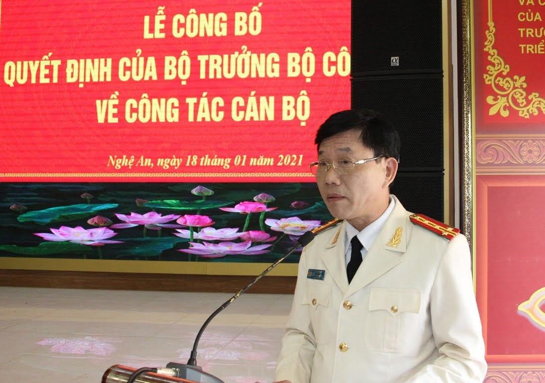 Đồng chí Đại tá Lê Văn Thái - Phó Giám đốc Công an tỉnh phát biểu nhận nhiệm vụ