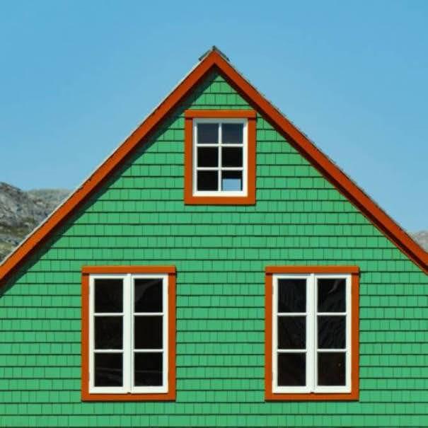Casas de madeira coloridas de Saint-Pierre