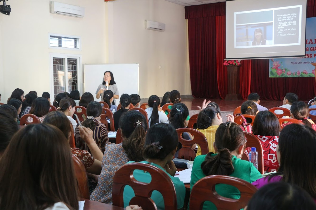 Sở GD&ĐT Nghệ An tập huấn bồi dưỡng nghiệp vụ giáo viên chủ nhiệm bậc học tiểu học,  THCS và THPT nhằm đáp ứng yêu cầu đổi mới giáo dục và chương trình giáo dục phổ thông 2018