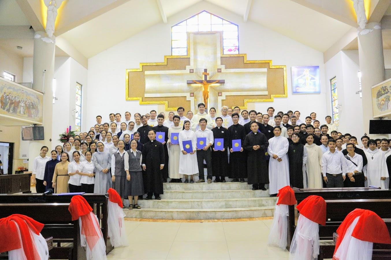 Trung Tâm Thần Học Sedes Sapientiae: Ngày Lễ Mừng Bổn Mạng (12/12/2020)